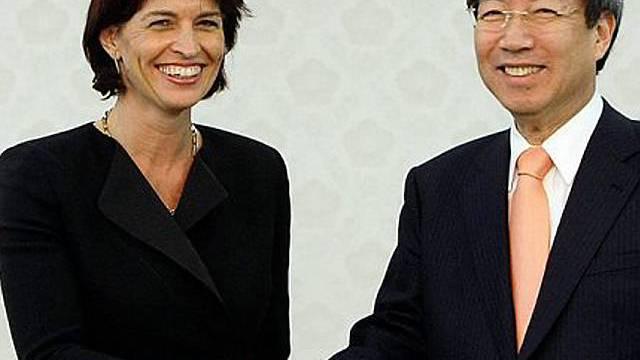 Leuthard mit Premierminister Chung Un-chan