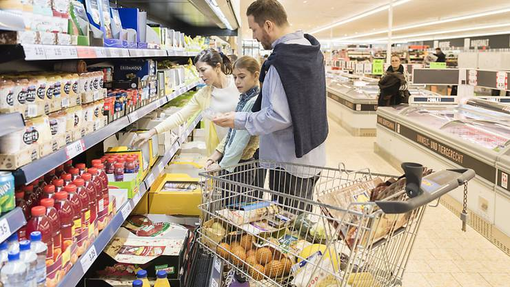 Schweizer Konsumenten erwarten weiterhin eine Erholung der Wirtschaft und neu auch eine deutliche Verbesserung auf dem Arbeitsmarkt. (Symbolbild)