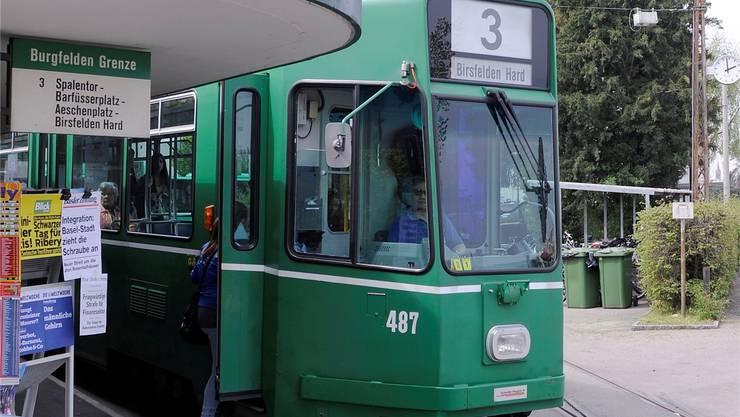 Die 3er-Tram-Verlängerung nach Saint-Louis erhält aus dem Pendlerfonds zwei Millionen Franken. Kenneth Nars/Archiv