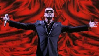 Pop in der Opfer: George Michael singt in Paris