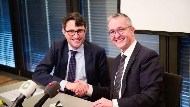 Vielleicht verhandeln Lukas Engelberger (l.) und Thomas Weber in wenigen Jahren wieder über die Spitalfusion.