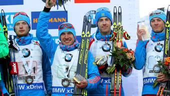 Werden vorderhand nicht komplett ausgeschlossen: Russlands Biathleten (hier beim 3. Rang in der Teamstaffel in Antholz)