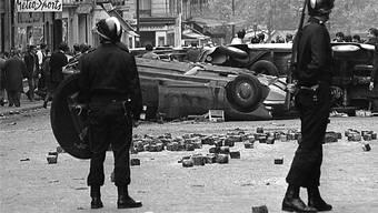 Szenen nach einer Strassenschlacht im Mai 1968 Paris. Der Aufstand wirkt bis heute nach. Key/AP
