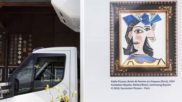 Grosser Bahnhof beim Aargauer Bauer Hanspeter Benz in Wettingen: In seiner Scheune hängt jetzt ein kapitaler Picasso.