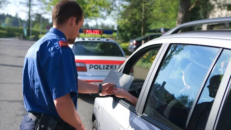 Die Polizei führte in Laufenburg eine Verkehrskontrolle in der hinteren Bahnhofstrasse durch. Symbolbild