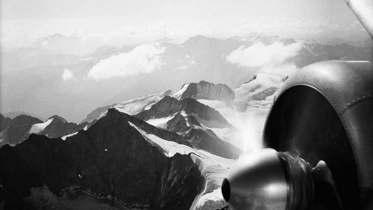 Fliegen als literarische Flucht ist auch im neuen Roman von Reto Hänny zentrales Thema.