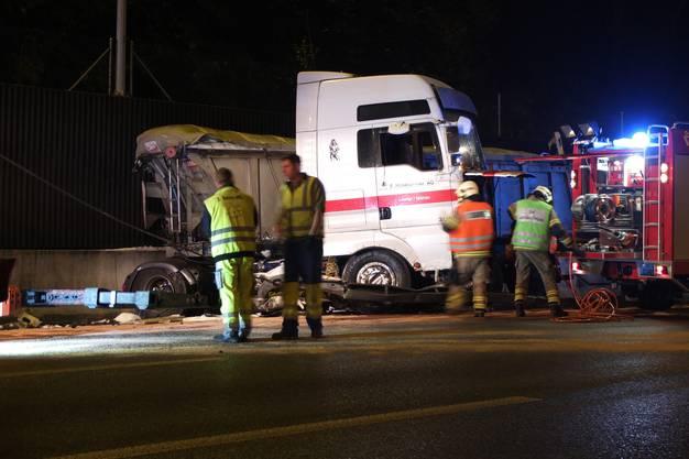 Der Lastwagenchauffeur erlitt leichte Verletzungen.