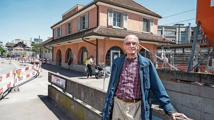 Jakob Heer, alt WSB-Direktor, hat dem WSB-Bahnhof in den Neunzigerjahren wieder das originale Aussehen verpasst.