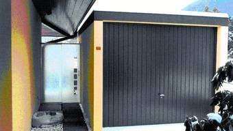 Streitpunkt: Bilden Garage und Wohnhaus wegen der Glaswand eine Einheit?