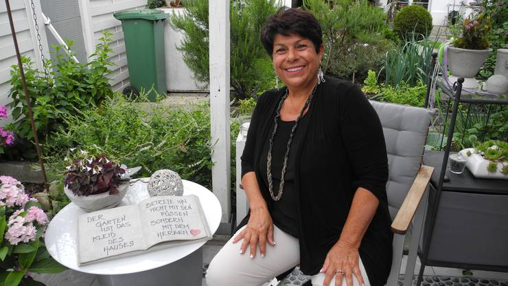 Drei von unzähligen Kreationen von Marisa Miracola sind hier auf dem Tisch.