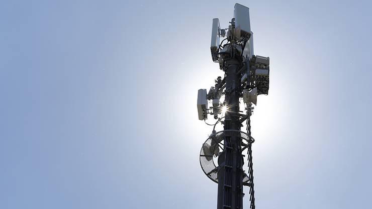 Die Swisscom will bis Ende Jahr 90 Prozent der Bevölkerung mit 5G versorgen (Archivbild)