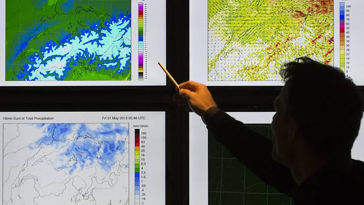 MeteoSchweiz verfolgt täglich das Wetter in der Schweiz anhand von Daten, die durch Karten visualisiert werden. Die Eidg. Finanzkontrolle hat nun gravierende Mängel im Beschaffungswesen von MeteoSchweiz entdeckt. (Archivbild)