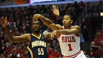 Derrick Rose (r.) von den Chicago Bulls und Roy Hibbert