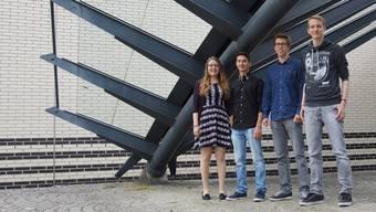 Petrissa Villiger, Samuel Kuhn, Veit Karpf und Tobias Hildbrand (v.l.) wurden mit dem Rotarypreis ausgezeichnet.