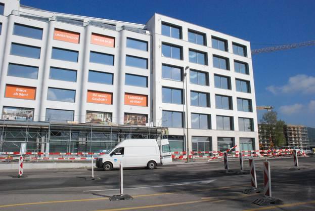 Das Büro der az Limmattaler Zeitung befindet sich im ersten Stock des Eckgebäudes