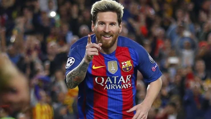 Lionel Messi jubelt über seinen dritten Treffer gegen Manchester City. 4:0 gewann Barcelona das Spitzenspiel in der Champions League