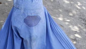 Eine Burkaträgerin.