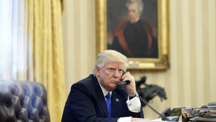 US-Präsident Donald Trump telefoniert mit Merkel und May zur Lage in Syrien nach dem US-Angriff. (Archivbild)