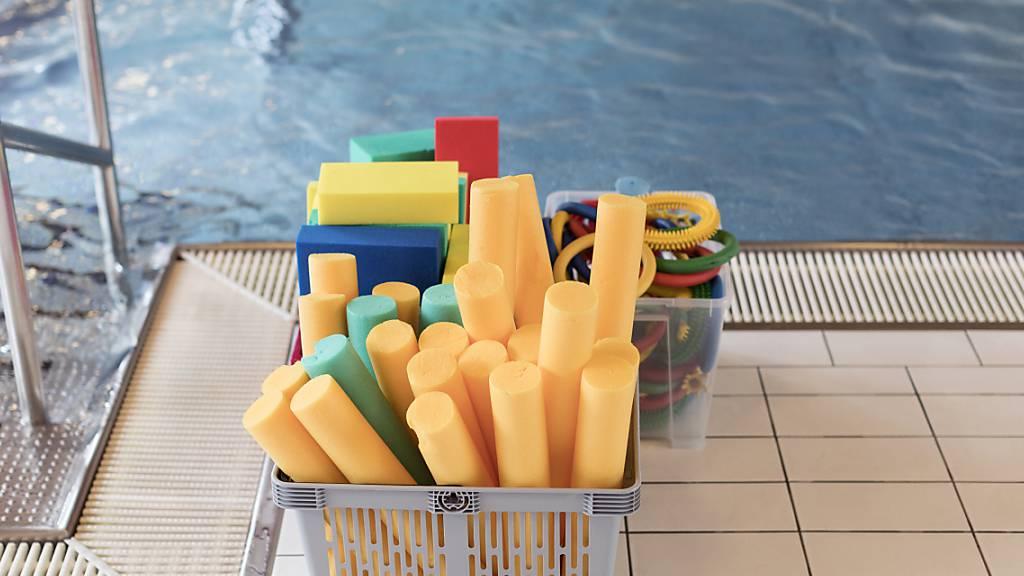 Ertrinkendes Kind in Schwimmbad gerettet