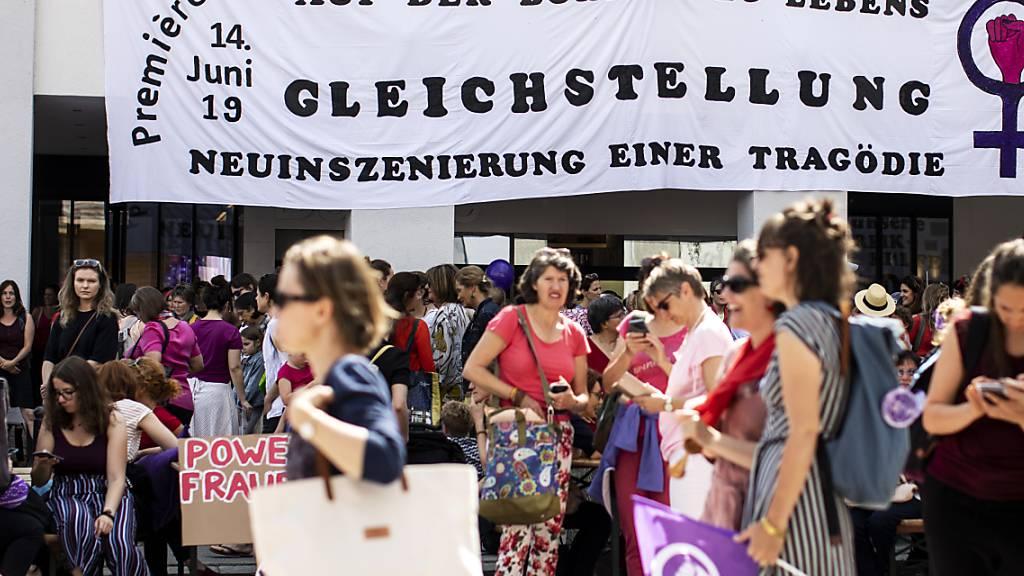 Frauen streiken am nationalen Frauenstreik am Freitag, 14. Juni 2019. (Archivbild)