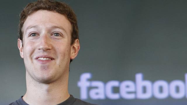 Mark Zuckerberg sieht den geplanten Börsengang von Facebook durch Klagen gefährdet (Archiv)