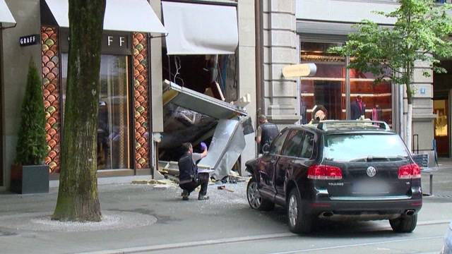 Rammbock-Überfall in Zürich