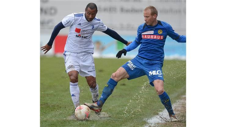 Gaspar (links, Wohlen) gegen Alexander Farnerud (rechts, YB).