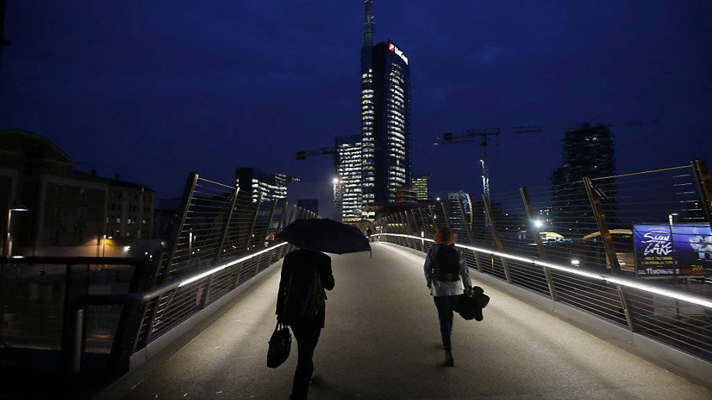 Blick auf Mailands Finanzzentrum: Über Italiens Bankensektor bäumen sich dunkle Wolken auf. (Archivbild)