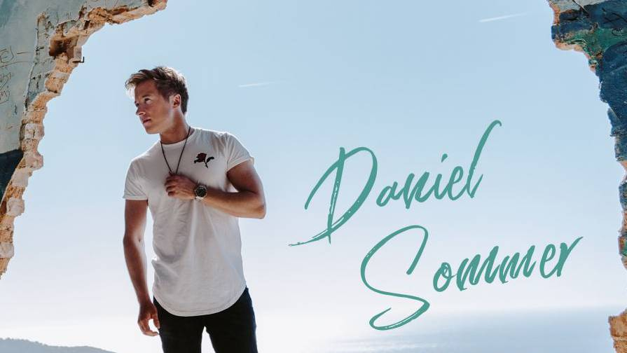 Daniel Sommer gibt sein Schlager Debut