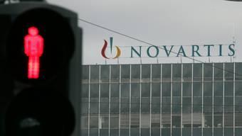 Novartis baut viele Stellen ab. (Archiv)