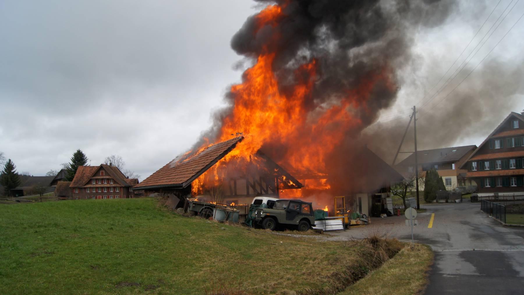 Scheune in Neuheim abgebrannt