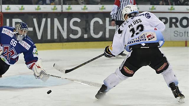 Benny Plüss erzielte für Gottéron beide Tore