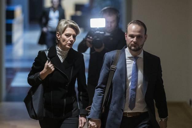 Matthias Leitner 2018 als FDP-Kampagnenmanager mit Karin Keller-Sutter, die dann zur Bundesrätin gewählt worden ist.
