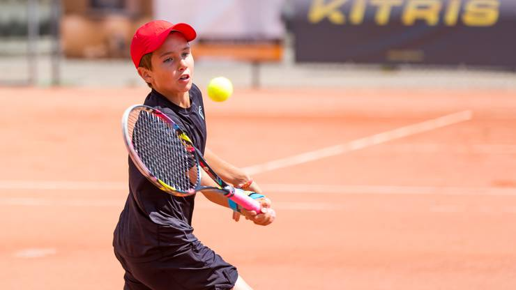 Nicolas Kobelt steht bei seinem Heimturnier in der Kategorie U14 erstmals im Viertelfinal eines internationalen Turniers.