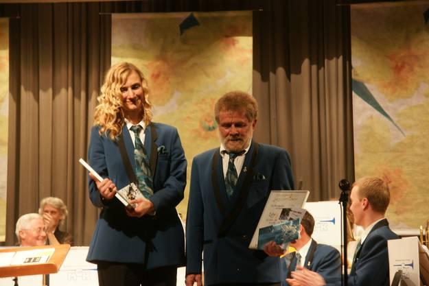 Am Jahreskonzert vom 23. März 2013 werden Carolina Ammann und Lui Huber zu Ehrenmitgliedern der MG Kölliken ernannt.