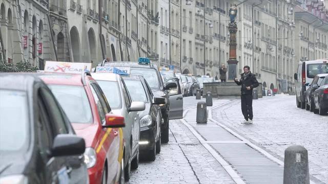 Schweizer Taxifahrer demonstrieren gegen Fahrdienst Uber