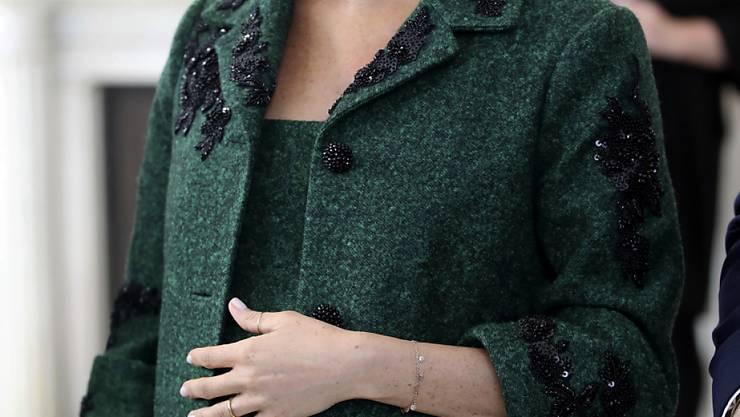 Diesen Monat soll es endlich soweit sein: Doch Meghan und Prinz Harry wollen die Geburt erst einmal geheim halten. Bevor die Öffentlichkeit von dem neuen Erdenmenschen erfährt, wollen die beiden mit Familie und Freunden feiern. (Archivbild)