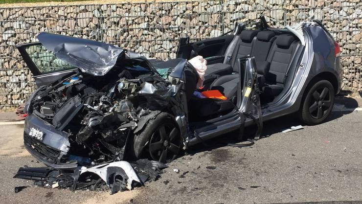 Bei einem Unfall kurz vor Rothenfluh wurden vier Personen verletzt.