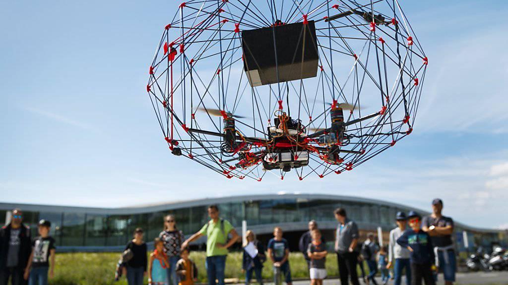 Drohnen aller Art konnten an dem Anlass der ETH Lausanne bestaunt werden.