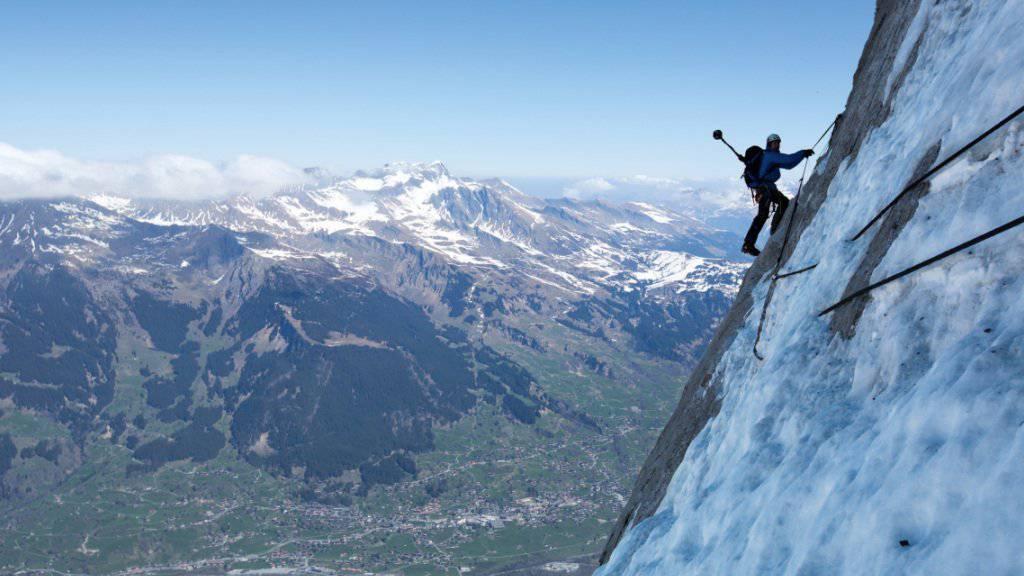 Randensaft könnte Bergsteigern die Akklimatisation in der Höhe erleichtern. Die Eigernordwand bleibt dennoch Könnern vorbehalten. (Archivbild)