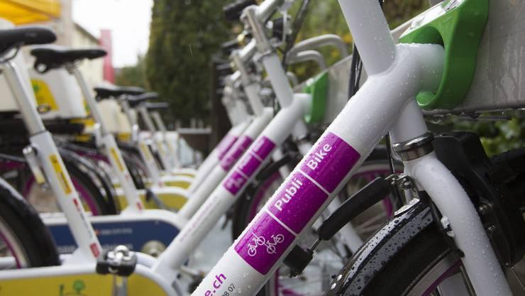 Auf die Publibike-Fahrräder warten die Zürcherinnen und Zürcher seit 2014. (Archiv)