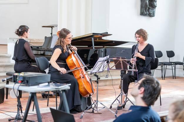 Heidy Huwiler, Sonja Marjanovic und Elizaveta Parfentyeva liessen die Werke ertönen.