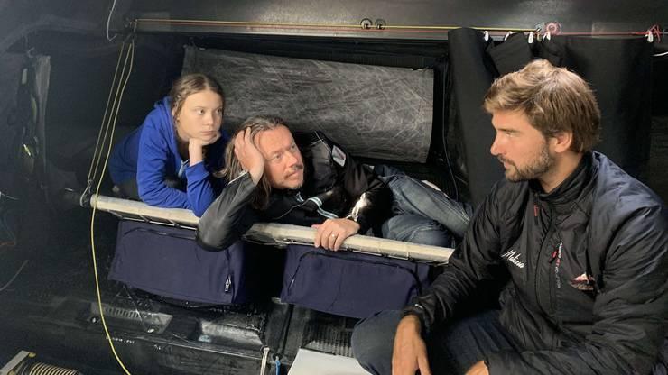 Boris Herrmann bei der Überquerung des Atlantiks mit der Klimaaktivistin Greta Thunberg und deren Vater Svante.