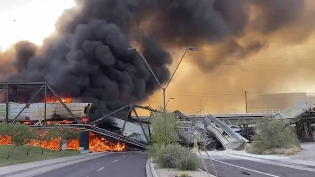 Suche nach Ursache für Zugunglück auf Brücke in Arizona