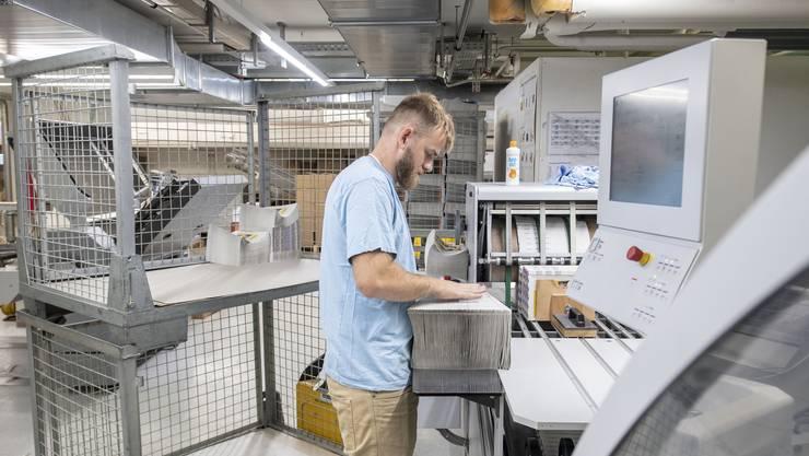 Zu den Wirtschaftszweigen, die besonders schwächeln, gehört laut KOF die Branche Papier und Druck. (Symbolbild)