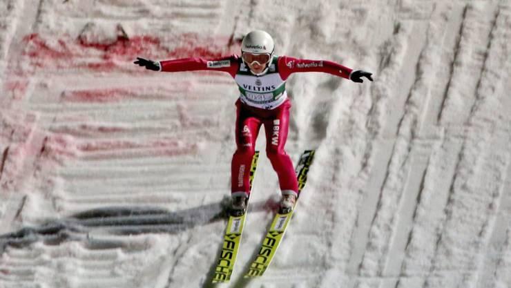 Simon Ammann erreichte zum Saisonauftakt in Klingenthal Platz **.