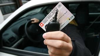 Der Mann musste seinene Führerausweis abgeben. (Symbolbild)