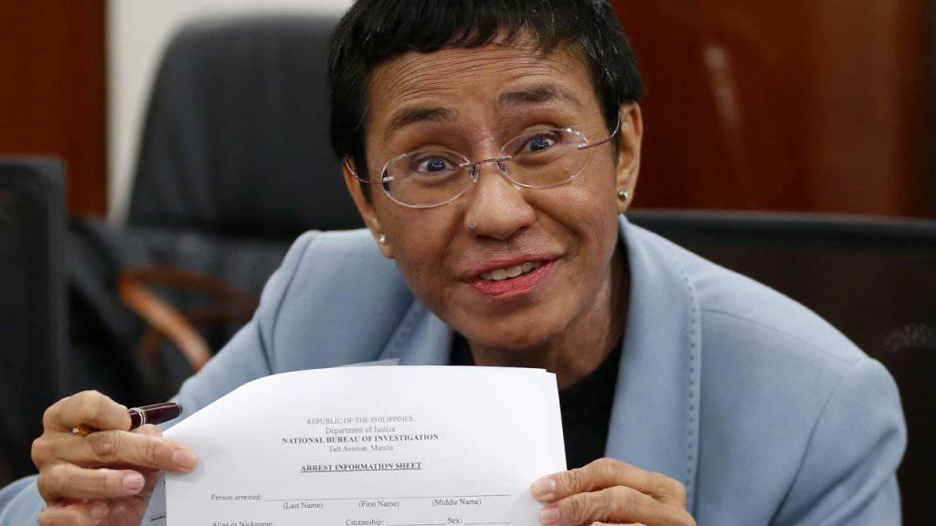 Gegnerin von Präsident Duterte: Die philippinische Journalistin Maria Ressa ist am Freitag erneut verhaftet worden. (Archivbild)
