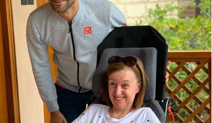 Roger Federer mit Lana Murad Bataineh.