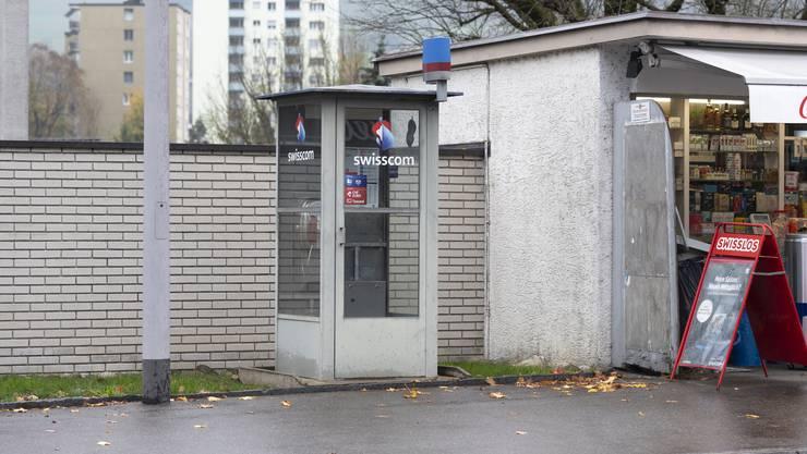 Die Telefonkabine der Schweiz steht an der Bruggerstrasse im Badener Kappelerhof.